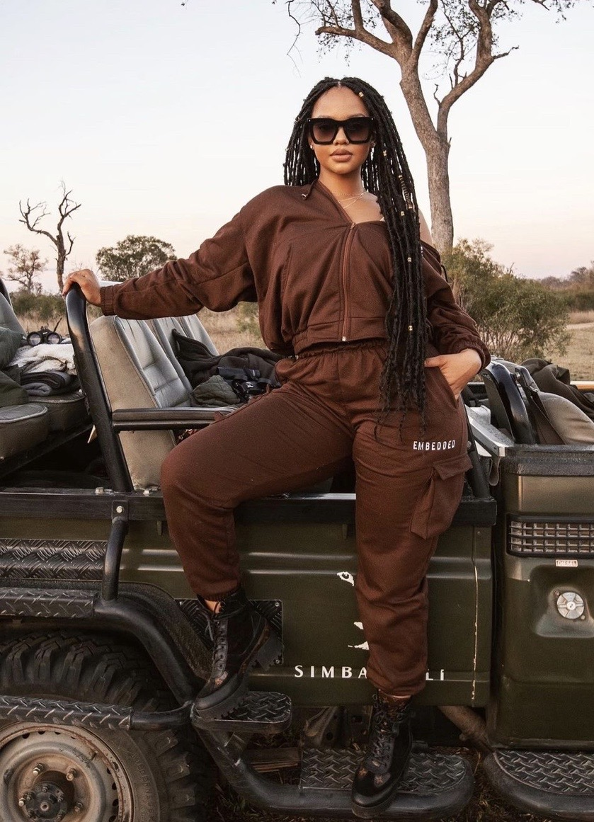 What-clothes-to-wear-on-a-safari