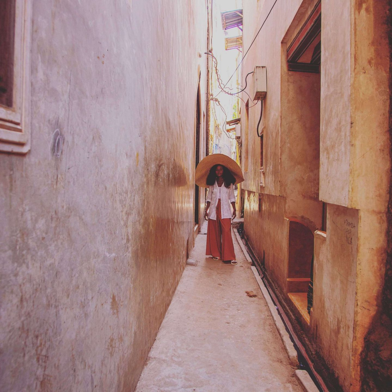 narrow streets of Lamu town